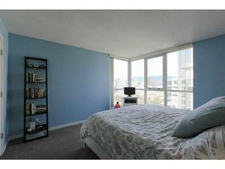 """Photo 8: 2206 120 MILROSS Avenue in Vancouver: Mount Pleasant VE Condo for sale in """"THE BRIGHTON"""" (Vancouver East)  : MLS®# V1108623"""