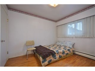 "Photo 7: 3915 WILLIAM Street in Burnaby: Willingdon Heights House for sale in ""WILLINGTON HEIGHTS"" (Burnaby North)  : MLS®# V986116"
