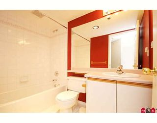 """Photo 7: 109 5955 177B Street in Surrey: Cloverdale BC Condo for sale in """"Windsor Place"""" (Cloverdale)  : MLS®# F2916723"""