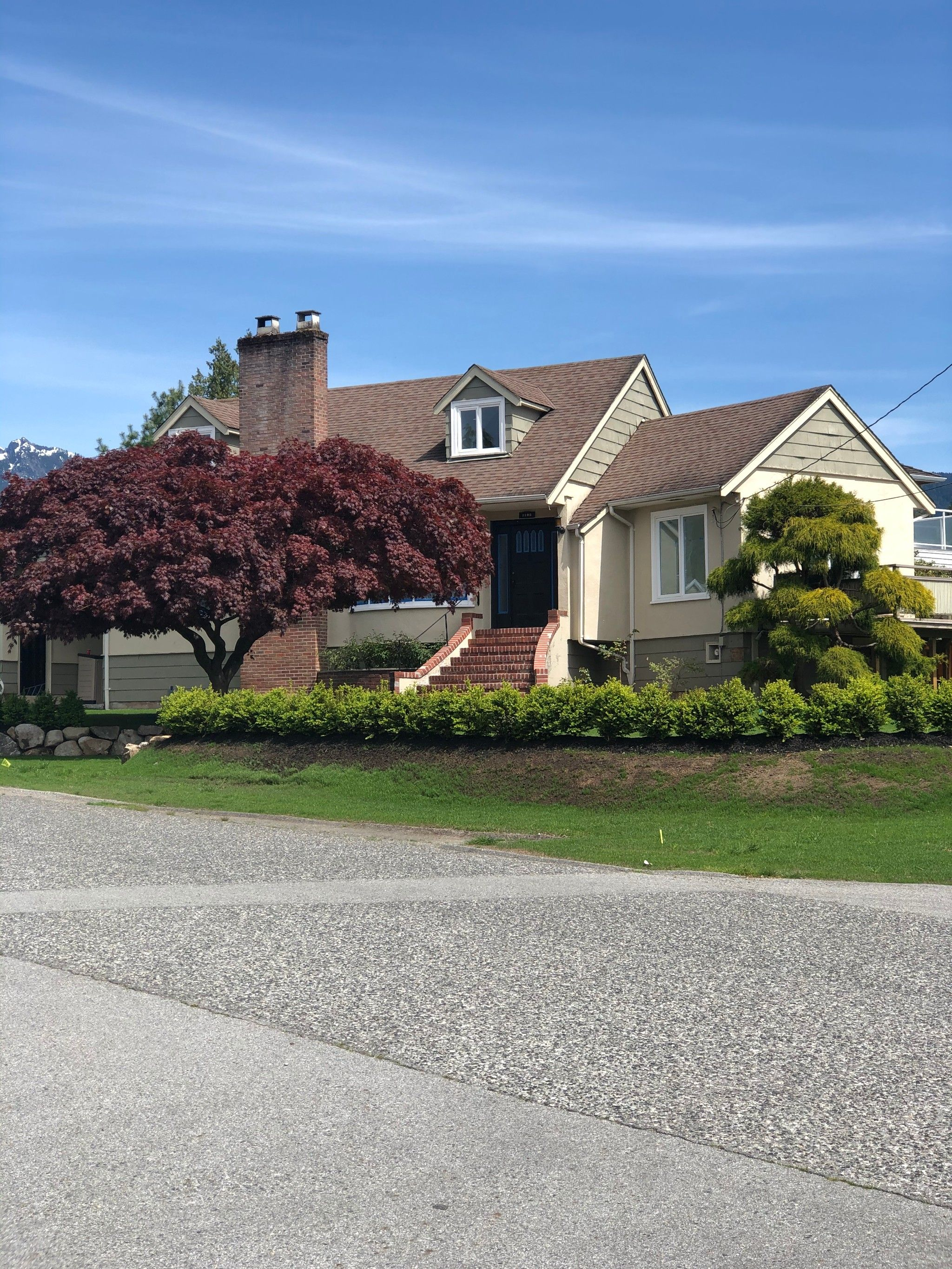 Main Photo: 1195 Haywood Avenue in West Vancouver: Ambleside House for sale : MLS®# R2408632