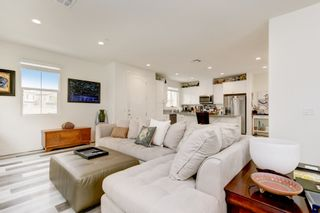 Photo 2: OCEANSIDE House for sale : 4 bedrooms : 4128 Via Del Ray