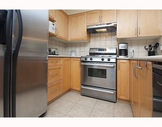 "Photo 5: 101 1868 W 5TH Avenue in Vancouver: Kitsilano Condo for sale in ""GREENWICH WEST"" (Vancouver West)  : MLS®# V790007"