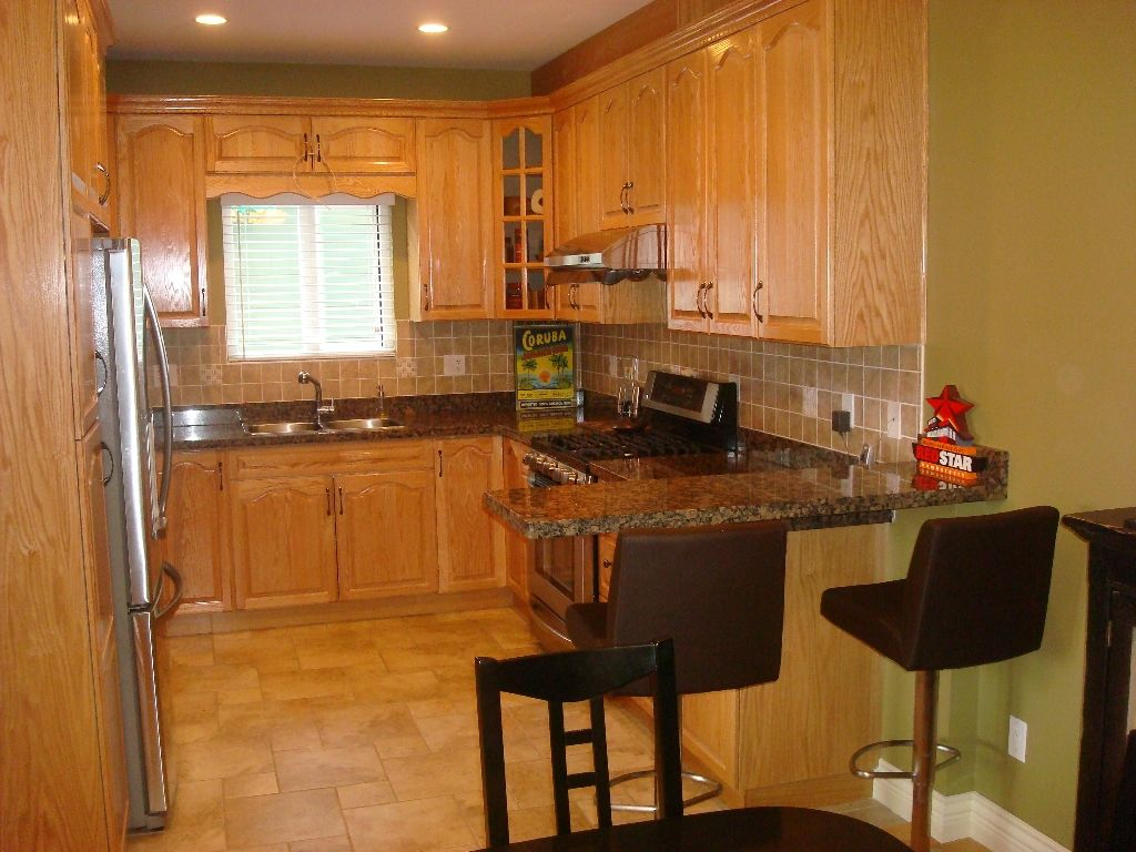 Photo 2: Photos: 1304 E 26TH Avenue in Vancouver: Knight 1/2 Duplex for sale (Vancouver East)  : MLS®# V882606