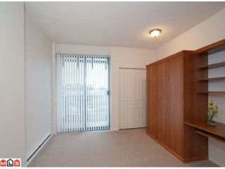 Photo 7: 402 1725 MARTIN Drive in Surrey: Sunnyside Park Surrey Home for sale ()  : MLS®# F1208153