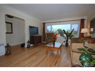 Photo 4: 2568 Eastdowne Rd in VICTORIA: OB Henderson House for sale (Oak Bay)  : MLS®# 514804