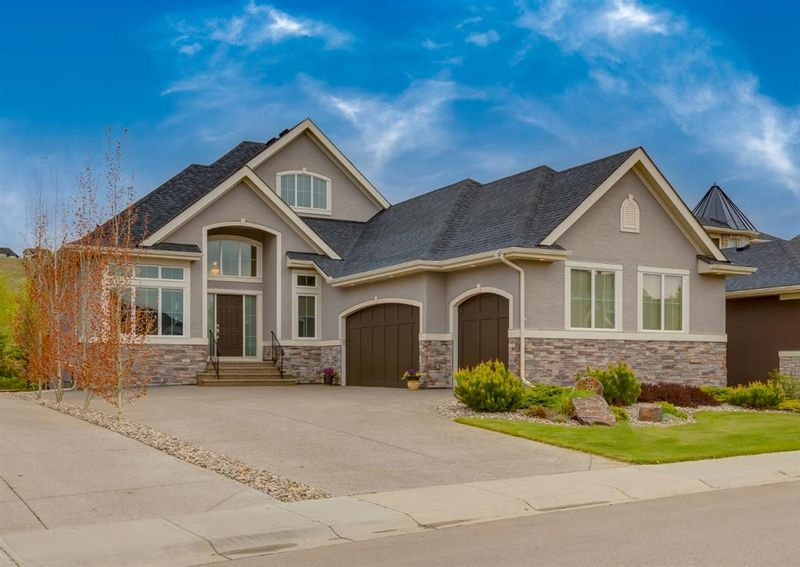 FEATURED LISTING: 96 Cranbrook Heights Southeast Calgary