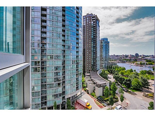 """Main Photo: 1106 1495 RICHARDS Street in Vancouver: Yaletown Condo for sale in """"AZURA II"""" (Vancouver West)  : MLS®# V1068799"""