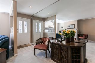 """Photo 2: 108 6109 W BOUNDARY Drive in Surrey: Panorama Ridge Townhouse for sale in """"Lakewood Gardens"""" : MLS®# R2197585"""