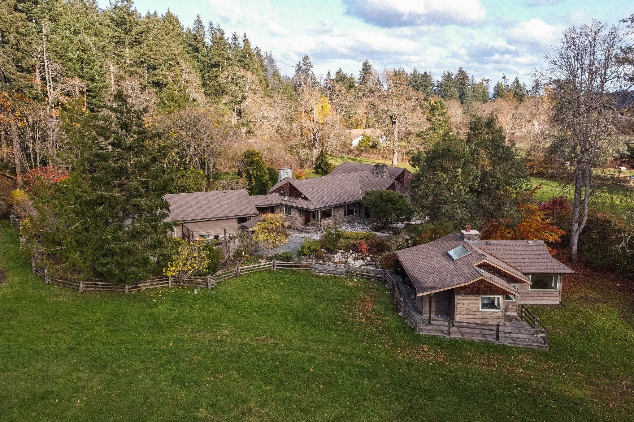 Main Photo: 903 Bradley Dyne Rd in : NS Ardmore House for sale (North Saanich)  : MLS®# 870746