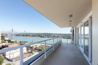 """Photo 3: 1701 39 SIXTH Street in New Westminster: Downtown NW Condo for sale in """"QUANTUM"""" : MLS®# R2615422"""