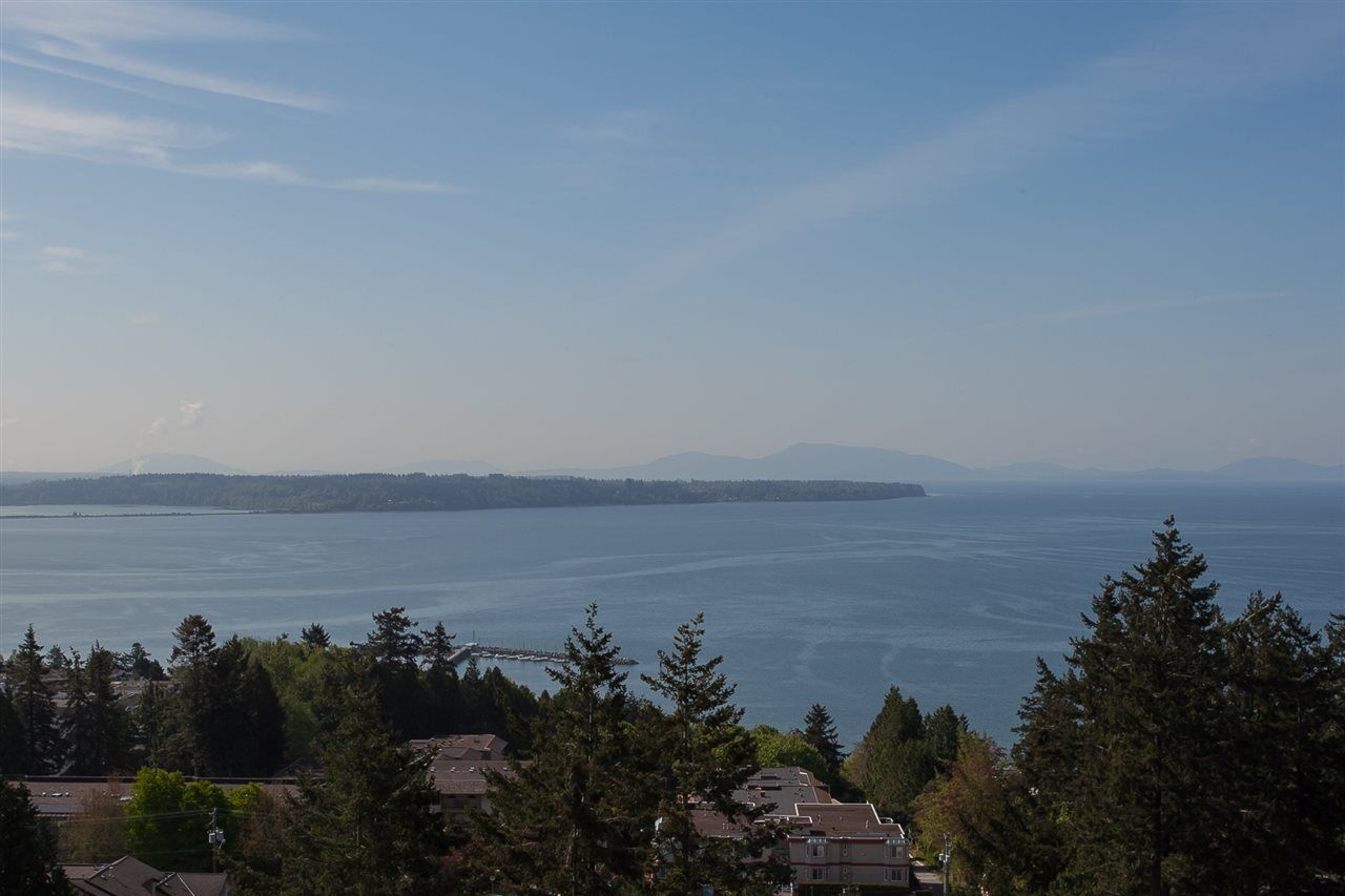 """Main Photo: 407 1501 VIDAL Street: White Rock Condo for sale in """"THE BEVERLEY"""" (South Surrey White Rock)  : MLS®# R2274978"""