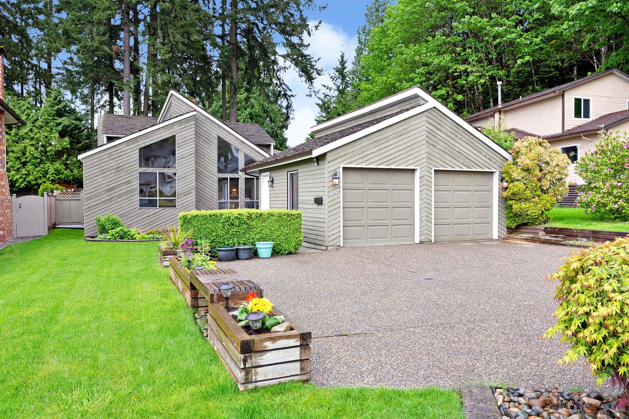 Main Photo: 2247 STAFFORD Avenue in Port Coquitlam: Mary Hill House for sale : MLS®# R2579928