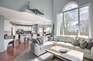 Photo 7: 10823 Valley Springs Road NW in Calgary: Valley Ridge Detached for sale : MLS®# A1107502