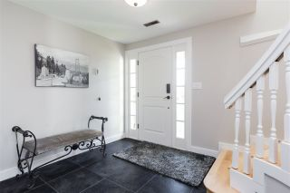 Photo 3: 230 ROCHE POINT DRIVE in North Vancouver: Roche Point House for sale : MLS®# R2437289