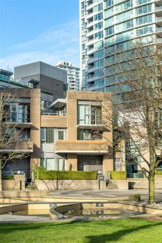 Photo 30: 1073 EXPO Boulevard in Vancouver: Yaletown Townhouse for sale (Vancouver West)  : MLS®# R2533965