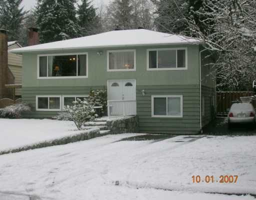"""Main Photo: 1492 E 27TH Street in North Vancouver: Westlynn House for sale in """"WESTLYNN"""" : MLS®# V625974"""