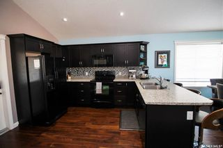 Photo 3: 211 15th Street in Battleford: Residential for sale : MLS®# SK854438