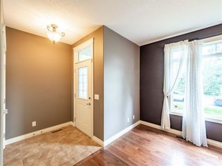Photo 2: 529 24 Avenue NE in Calgary: Winston Heights/Mountview Semi Detached for sale : MLS®# A1021988