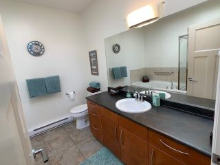 Photo 25: 10 5780 TRAIL AVENUE in Sechelt: Sechelt District Condo for sale (Sunshine Coast)  : MLS®# R2476578