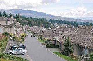 "Photo 2: 31 2979 PANORAMA DR in Coquitlam: Westwood Plateau Townhouse for sale in ""DEER CREST ESTATES"" : MLS®# V581722"