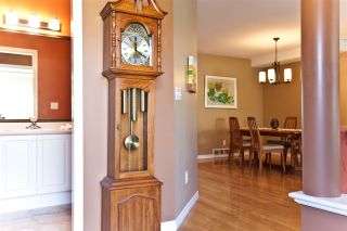 """Photo 3: 126 2880 PANORAMA Drive in Coquitlam: Westwood Plateau Townhouse for sale in """"GREYHAWKE ESTATES"""" : MLS®# R2566198"""