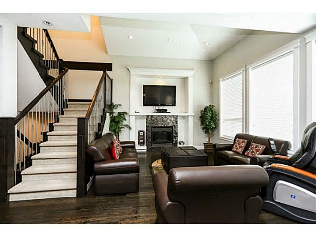 """Photo 5: Photos: 17387 3RD Avenue in Surrey: Pacific Douglas House for sale in """"Summerfield"""" (South Surrey White Rock)  : MLS®# F1314254"""