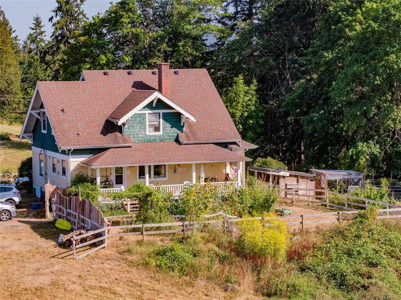 FEATURED LISTING: 2789 Haslam Rd