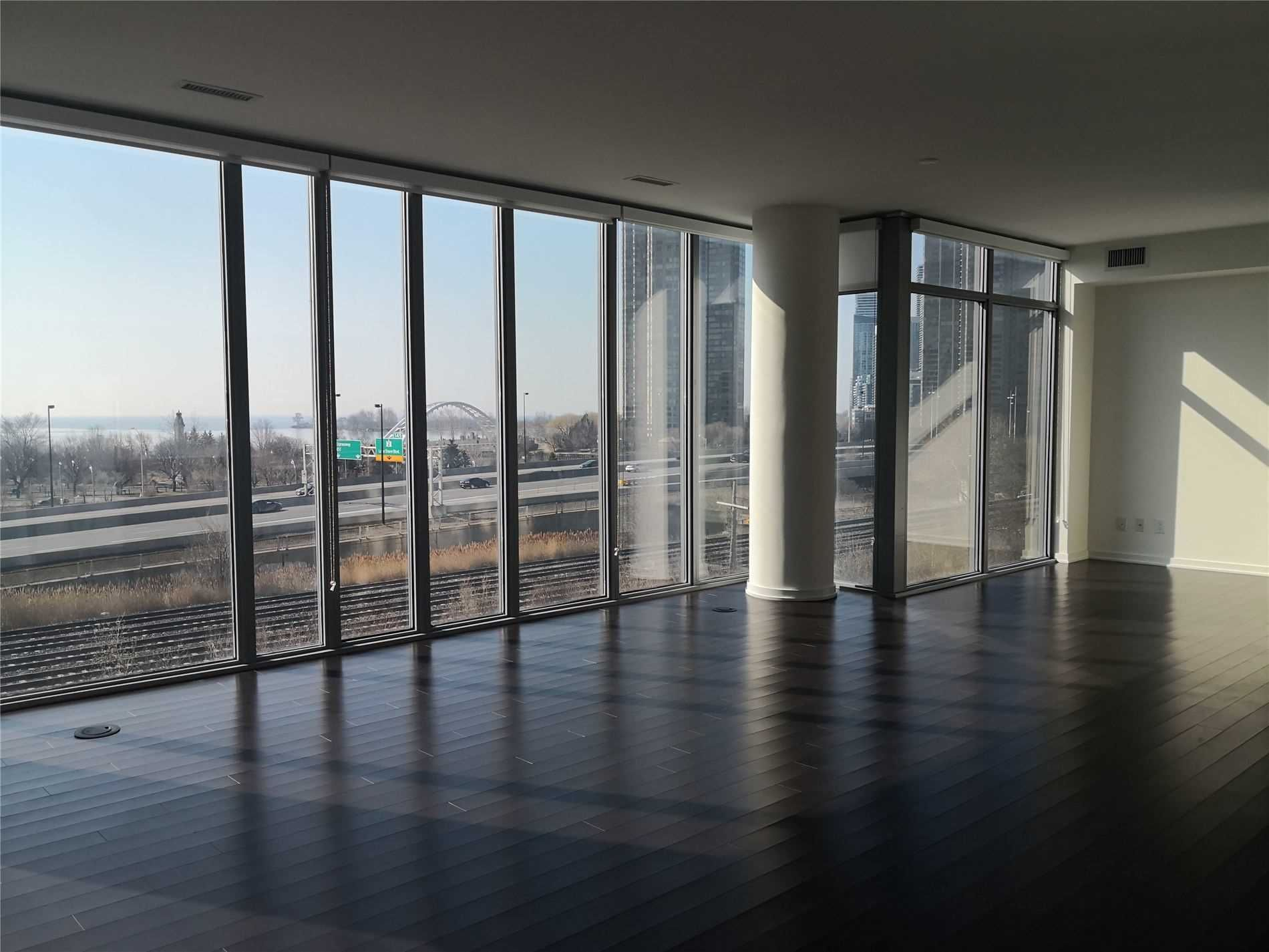 Main Photo: 502 105 The Queensway in Toronto: High Park-Swansea Condo for lease (Toronto W01)  : MLS®# W5180520