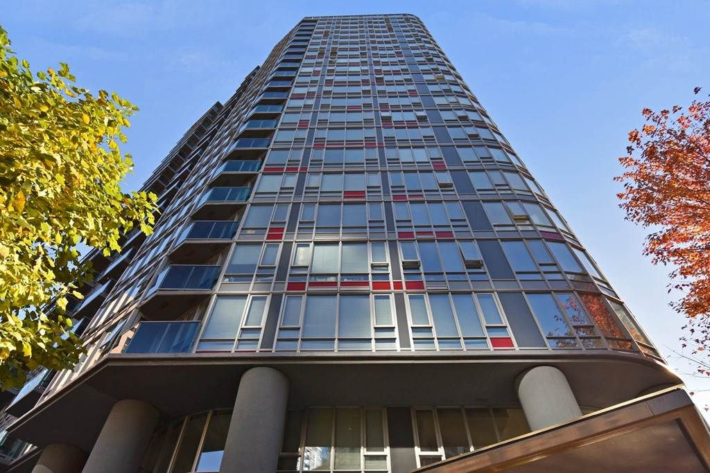 """Main Photo: 1102 788 HAMILTON Street in Vancouver: Downtown VW Condo for sale in """"TV TOWERS 1"""" (Vancouver West)  : MLS®# R2217324"""