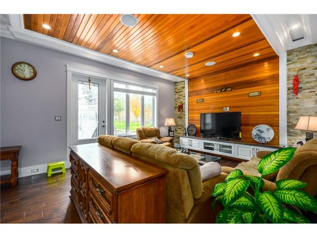 Photo 7: Photos: 4791 CLINTON ST in Burnaby: South Slope House for sale (Burnaby South)  : MLS®# V1084047