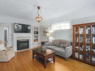 Photo 2: 4107 DUNDAS Street in Burnaby: Vancouver Heights House for sale (Burnaby North)  : MLS®# R2369700