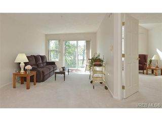 Photo 5: 311 1485 Garnet Rd in VICTORIA: SE Cedar Hill Condo for sale (Saanich East)  : MLS®# 727717