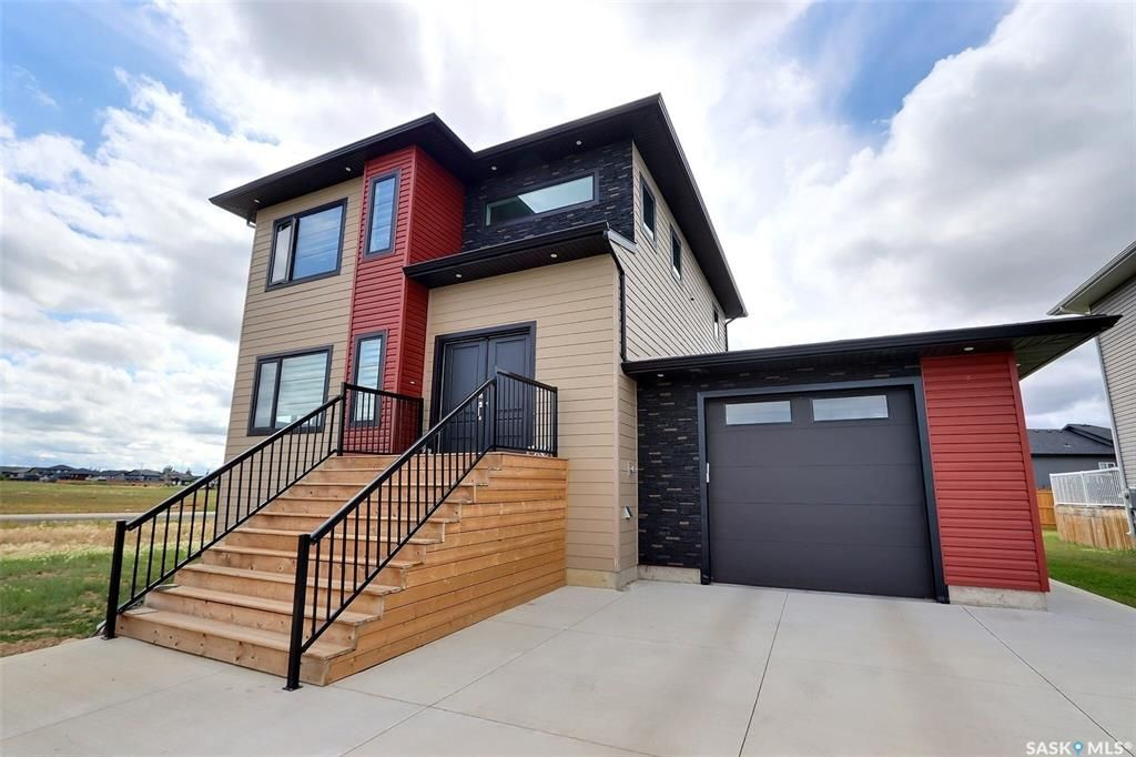Main Photo: 127 Hadley Road in Prince Albert: Crescent Acres Residential for sale : MLS®# SK863047