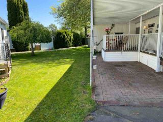 """Photo 2: 47 1840 160 Street in Surrey: King George Corridor Manufactured Home for sale in """"Breakaway Bays"""" (South Surrey White Rock)  : MLS®# R2580835"""