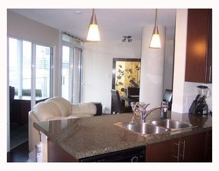 "Photo 4: 1206 58 KEEFER Place in Vancouver: Downtown VW Condo for sale in ""FIRENZE I"" (Vancouver West)  : MLS®# V793718"