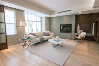 """Photo 3: 928 WESTBURY Walk in Vancouver: South Cambie Townhouse for sale in """"CHURCHILL GARDENS"""" (Vancouver West)  : MLS®# R2436730"""