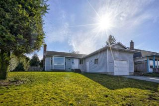 Photo 1: 32110 ASHCROFT Drive in Abbotsford: Abbotsford West House for sale : MLS®# R2551141