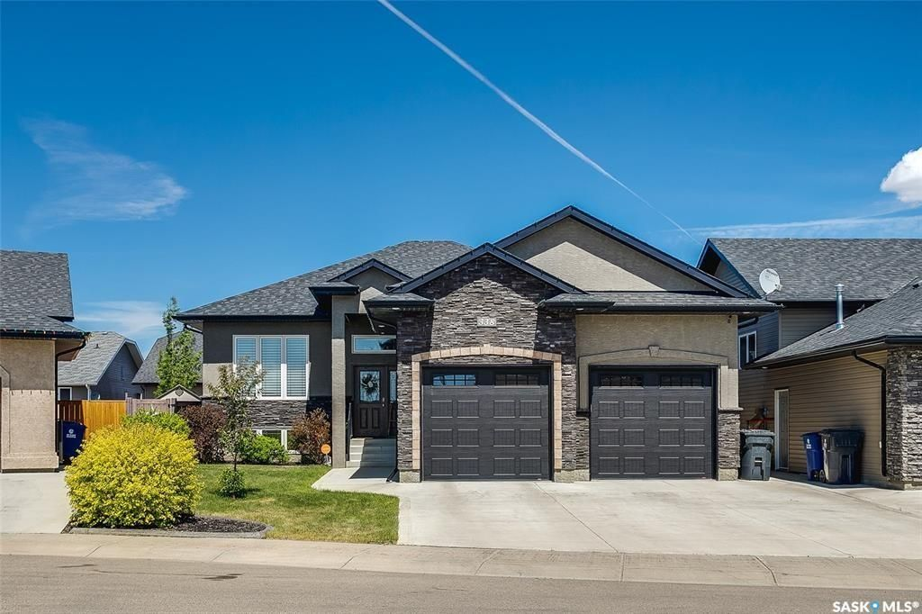 Main Photo: 338 Player Crescent in Warman: Residential for sale : MLS®# SK852680