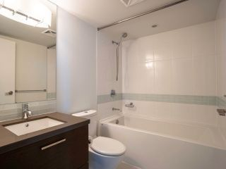 """Photo 6: 902 10777 UNIVERSITY Drive in Surrey: Whalley Condo for sale in """"Citypoint"""" (North Surrey)  : MLS®# R2569333"""
