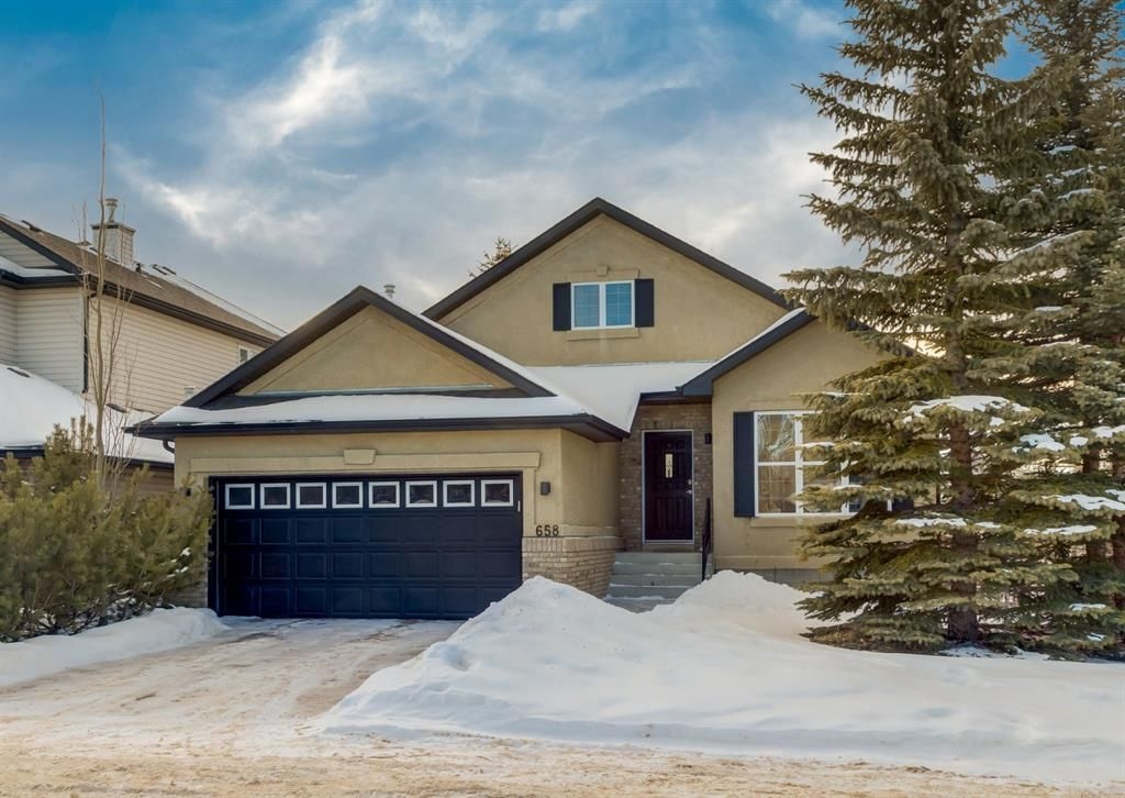 Main Photo: 658 Wentworth Place SW in Calgary: West Springs Detached for sale : MLS®# A1074948