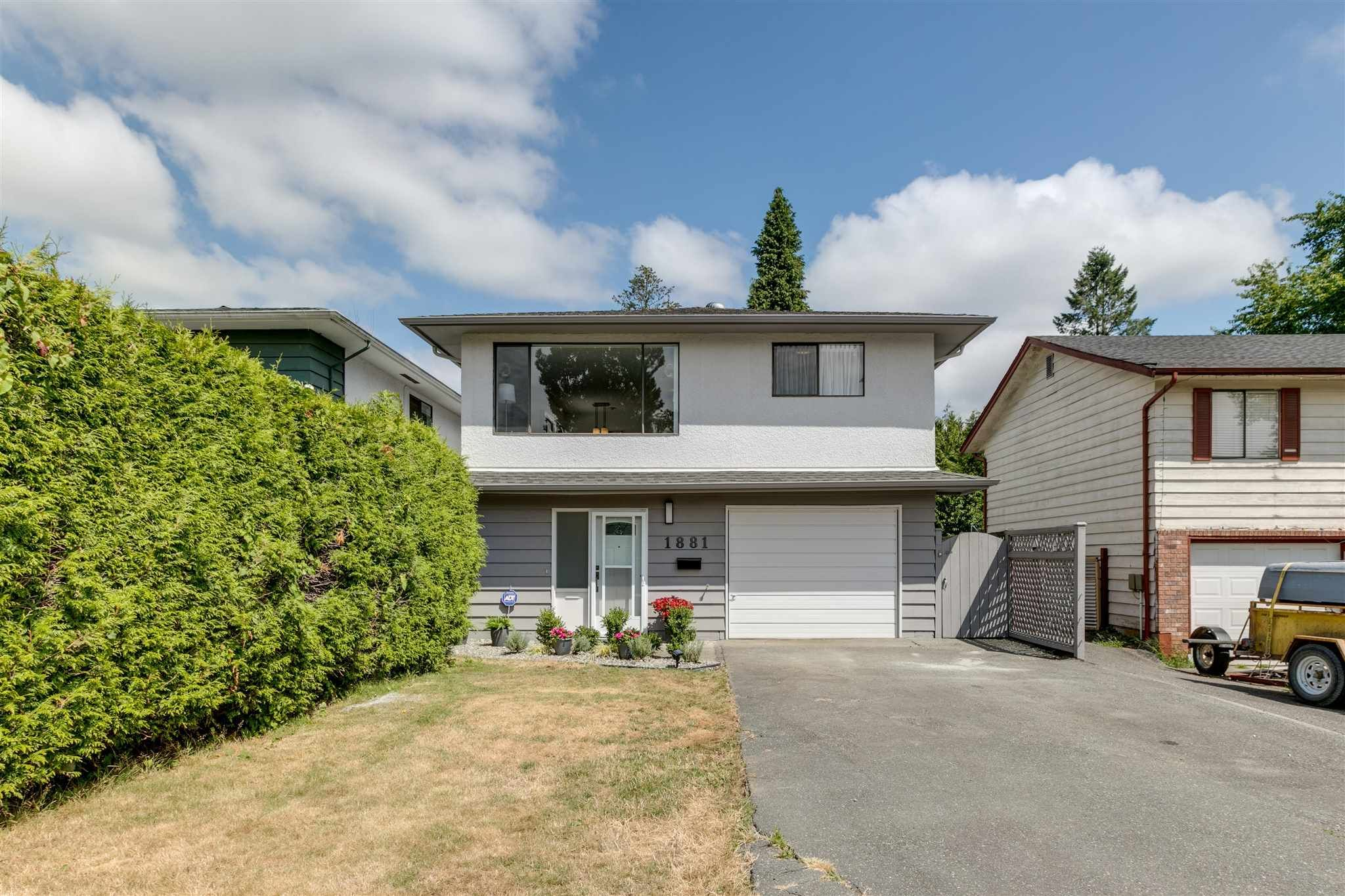 Main Photo: 1881 SUFFOLK AVENUE in Port Coquitlam: Glenwood PQ House for sale : MLS®# R2602990