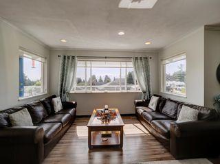 Photo 11: 6320 SAMRON Road in Sechelt: Sechelt District House for sale (Sunshine Coast)  : MLS®# R2614645