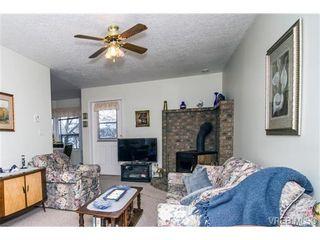 Photo 9: 11 709 Luscombe Pl in VICTORIA: Es Esquimalt House for sale (Esquimalt)  : MLS®# 690941