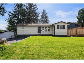 """Photo 1: 32656 BOBCAT Drive in Mission: Mission BC House for sale in """"West Heights"""" : MLS®# R2623384"""