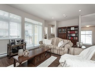"""Photo 5: 15 6036 164 Street in Surrey: Cloverdale BC Townhouse for sale in """"Arbour Village"""" (Cloverdale)  : MLS®# R2445991"""