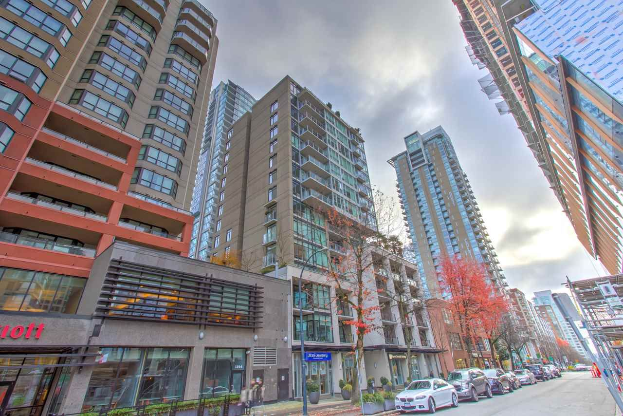 """Main Photo: 201 1252 HORNBY Street in Vancouver: Downtown VW Condo for sale in """"PURE"""" (Vancouver West)  : MLS®# R2419767"""