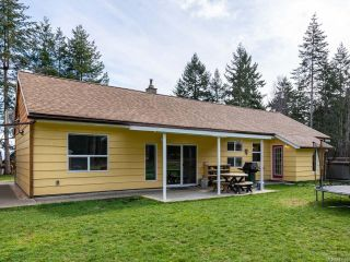 Photo 2: 5581 Seacliff Rd in COURTENAY: CV Courtenay North House for sale (Comox Valley)  : MLS®# 837166
