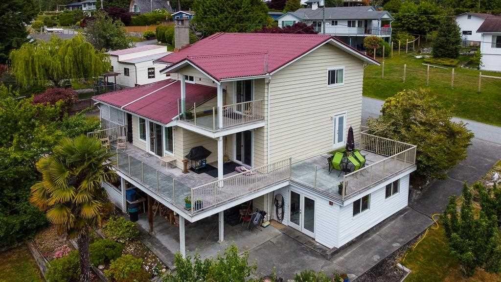 Main Photo: 5097 BETTY Road in Sechelt: Sechelt District House for sale (Sunshine Coast)  : MLS®# R2588969