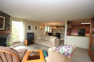 Photo 3: 302 1106 Glenora Pl in : SE Maplewood Condo for sale (Saanich East)  : MLS®# 874856