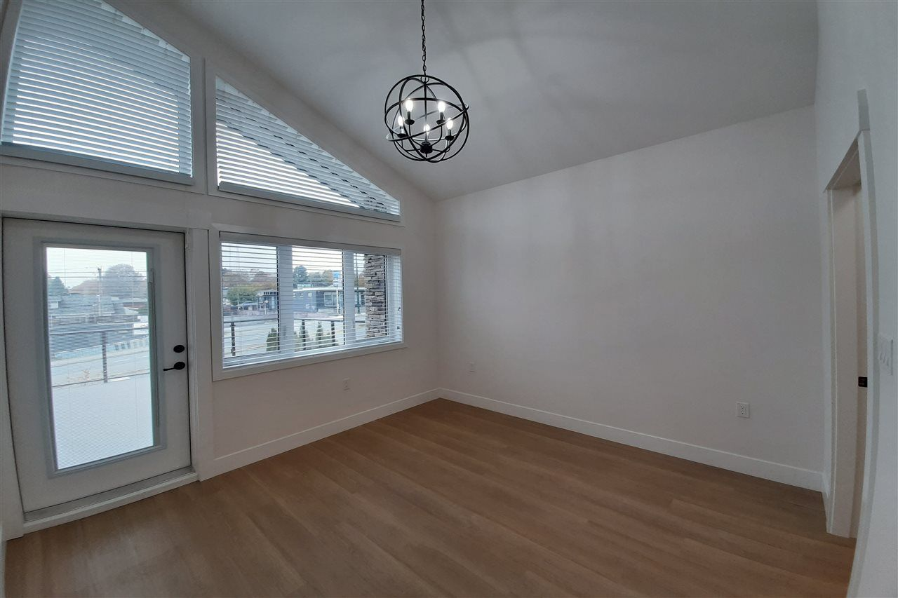 Photo 9: Photos: 8076 FRASER Street in Vancouver: South Vancouver 1/2 Duplex for sale (Vancouver East)  : MLS®# R2416831